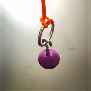 ball chain top holds